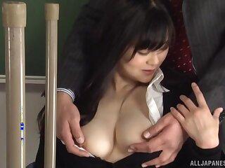 Natural tits Japanese chick Hirose Yoko loves sucking a large dick
