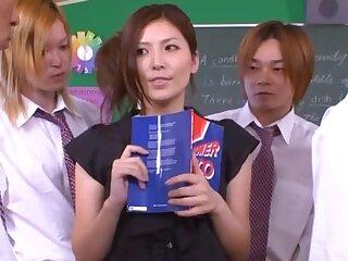 Japanese tutor Yuna Shiina drops more than her knees to blow + bukkake